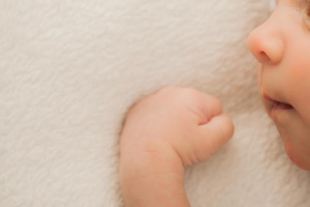 乳児の寝かしつけのコツ7選!我が子よ、なぜ寝ないのだ・・・